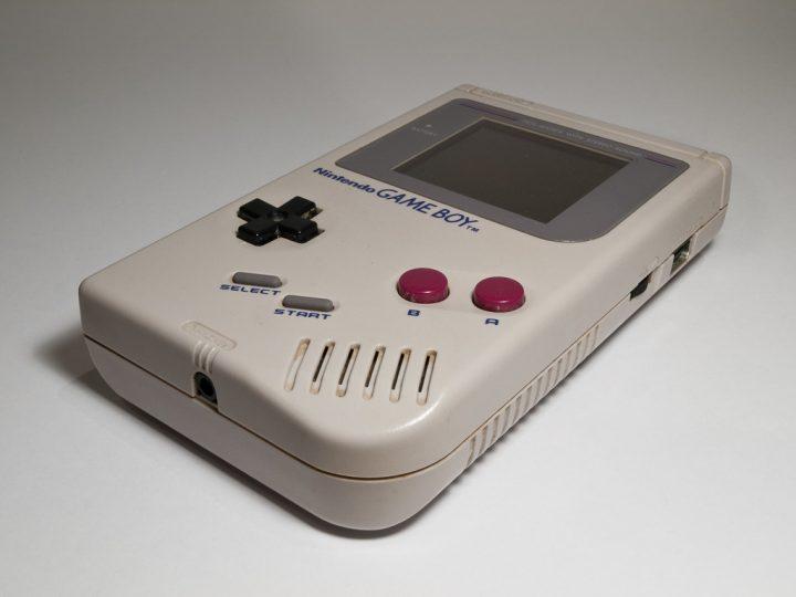 Tubettaja näyttää kuinka louhia Bitcoinia Game Boyn avulla