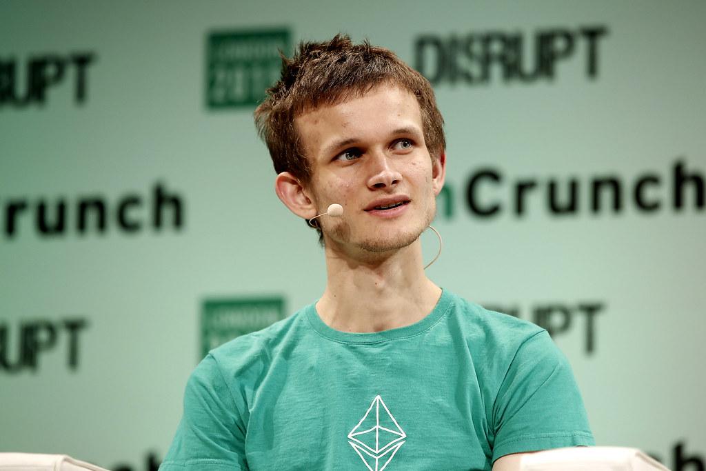 Vitalik Buterinista tuli kaikkien aikojen nuorin kryptomiljardööri